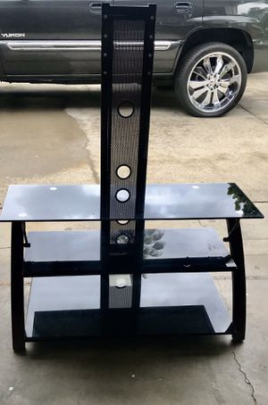 Tv stand with glass shelves for Sale in Norwalk, CA