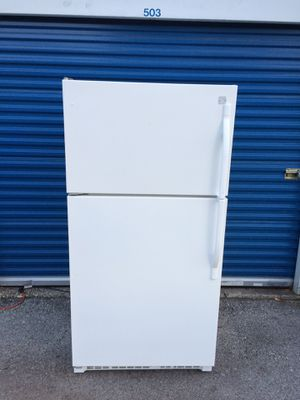 Kenmore Refrigerator & Ice Maker ( 4-years Old works perfect ) Used for Sale in Jacksonville, FL