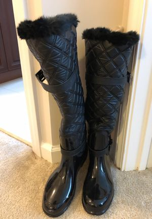 Michael kors boots never worn. Size 8 for Sale in Tinton Falls, NJ