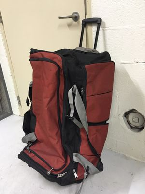 Duffle traveling bag with wheels - Atvalon for Sale in Washington, DC