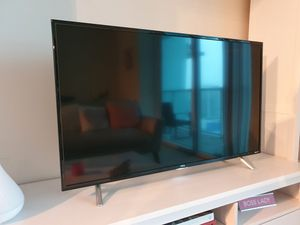 "TCL 43"" Class 4 series 4k UHD HDR Roku 2017 smart Tv for Sale in Miami, FL"
