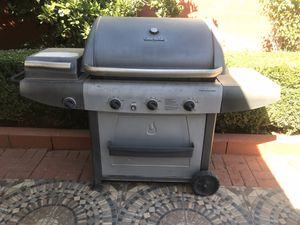 Propane BBQ grill for Sale in Fontana, CA