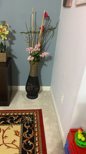 Floor vase with flowers for $30 firm price for Sale in Herndon, VA