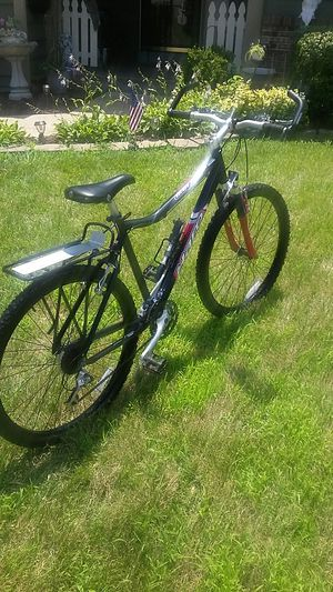 Escape a 7.1 vbar haro mountain bike for Sale in St. Peters, MO