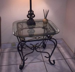 Nice end table for Sale in Pleasanton, CA