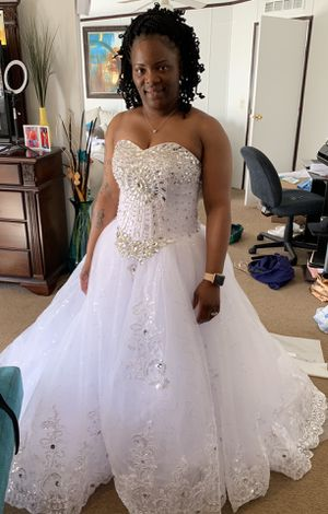 New wedding dress for Sale in Thomasville, GA