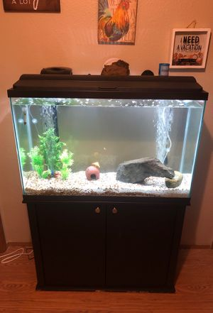 45 gallon fish tank comes with everything for Sale in Seattle, WA