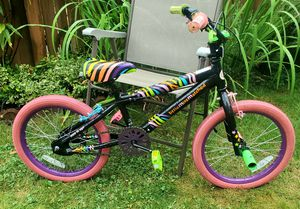 """Girls 18"""" bike, front and rear breaks, tuned up and ready to run for Sale in Bothell, WA"""