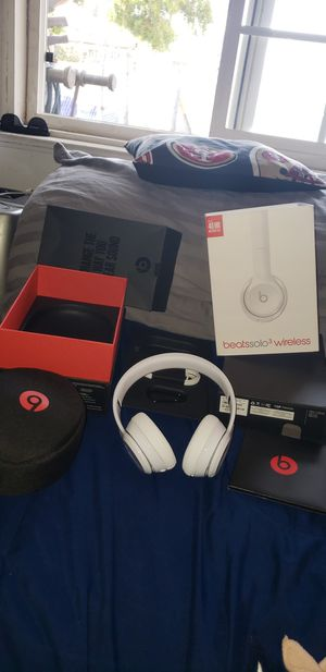 Beats solo 3 wireless for Sale in Fontana, CA