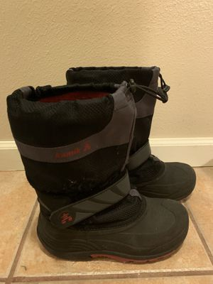 Kids size 4 snow boots for Sale in Everett, WA