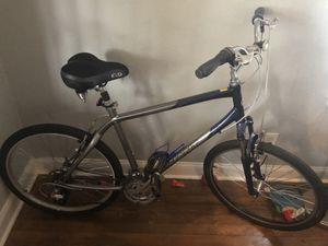 M/L hybrid bike for Sale in Atlanta, GA