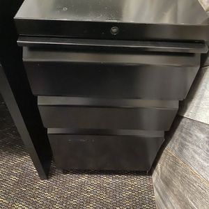 3 Drawer File Cabinet On Wheels for Sale in Redlands, CA