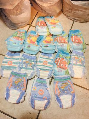 15 Little Swimmers Pampers de Niños Size 3-4T _ Recojer Hoy o Seran Donados $10 Por Todos for Sale in Miami, FL