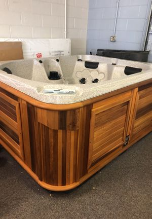 Artic Fox prestige hot tub for Sale in Colorado Springs, CO