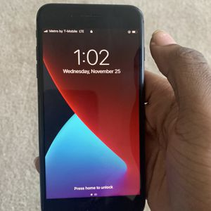 iPhone 8 Plus Fully Unlocked for Sale in Plano, TX