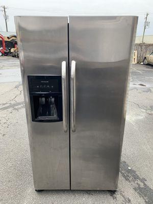 Frigidaire fridge good condition for Sale in Sterling, VA