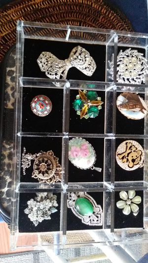 Brooches & Pendants for Sale in Salinas, CA