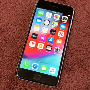 iPhone 📲 6 16GB factory unlocked for Sale in Corona, CA