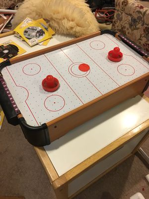 Mini air hockey table for Sale in Brownstown Charter Township, MI