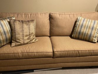 Queen Sleeper Couch for Sale in Chicago,  IL