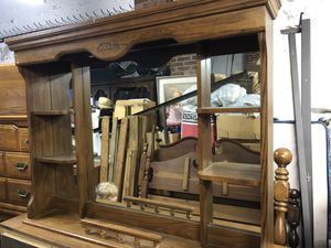 Broyhill River Oaks Acorn 5 piece Queen Bedroom Set(Pick up only) for Sale in Raleigh, NC