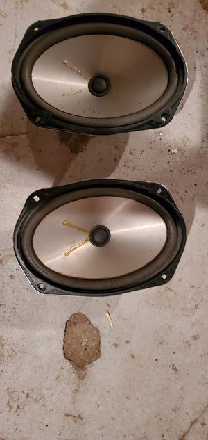 Good set of 6/9 speakers soundstreams for Sale in New Haven, CT