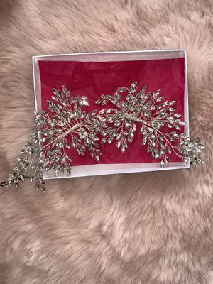Bridal head band/hair clip for Sale in Battle Creek, MI