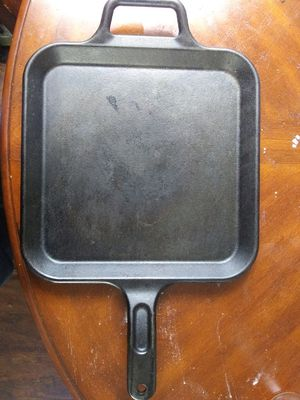 Lodge Prologic 12×12 Cast Iron Pan for Sale in Winder, GA