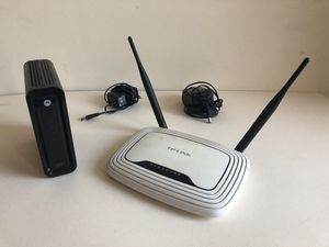 Motorola modem and tp-link router for Sale in Chicago, IL
