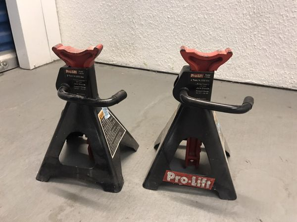 Pro Lift Vehicle Stands