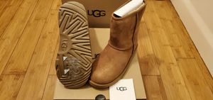 Classic Short UGG boots size 7 and 8 for women for Sale in Paramount, CA