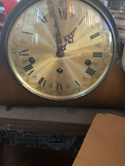 Old Mantle Clock for Sale in Los Angeles,  CA