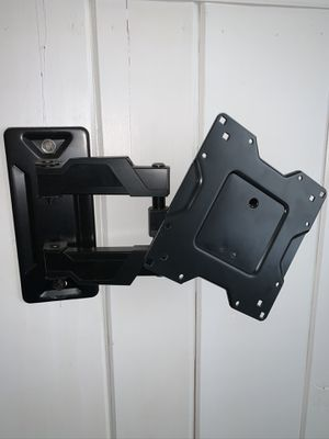 "Heavy duty up to 60"" tv mount for Sale in Alexandria, VA"