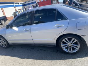 Honda Accord 153k and counting.. for Sale in Lynn, MA