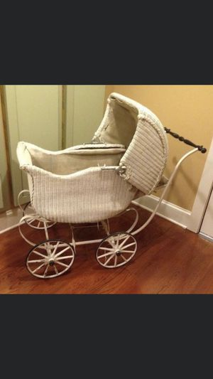 Antique wicker stroller, great for displaying dolls or blankets,etc for Sale in Atlanta, GA