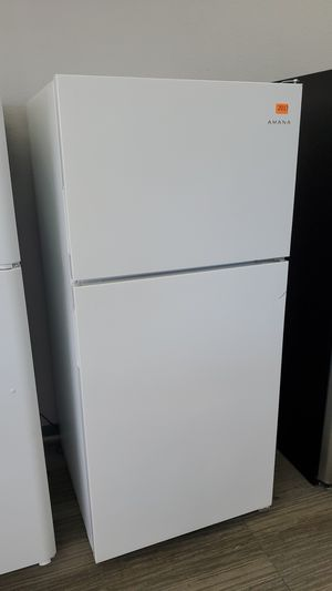 Amana 2017 Refrigerator - warranty included for Sale in Sacramento, CA