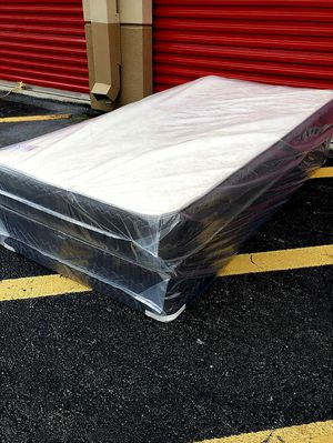 NEW TWIN MATTRESS with BOX SPRING, Bed frame is not included for Sale in West Palm Beach, FL