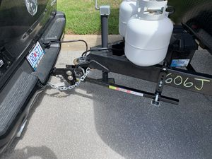 Equalizer hitch (1000/10000 lbs) for Sale in Lee's Summit, MO