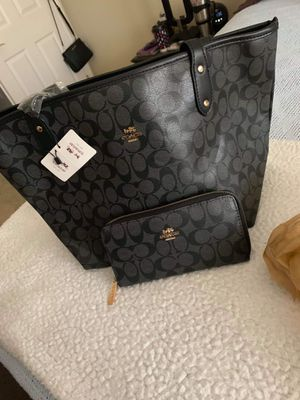 Coach Purse Tote with Wallet for Sale in Westminster, CO