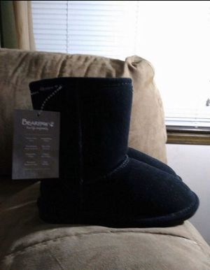 Little Girls Bearpaw Boots ( Brand New ) Size 13 - $ 50 for Sale in Grandview, MO