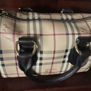 Burberry (Authentic) for Sale in Los Angeles, CA