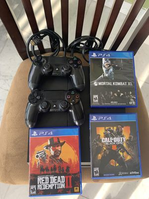PS4 w/3 games and two controllers!!! for Sale in North Miami, FL
