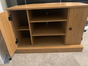 Corner tv stand for Sale in Colorado Springs, CO