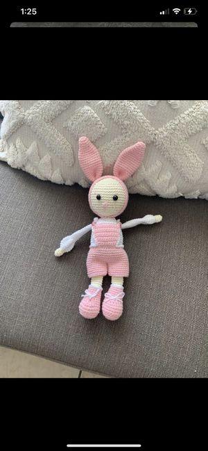 Crochet rabbit. Conejo tejido a mano. for Sale in Colton, CA