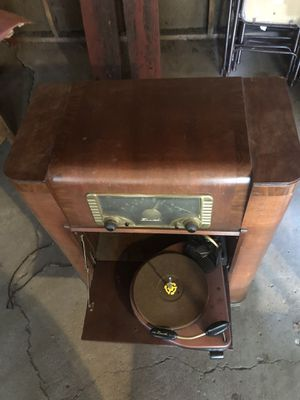 Vintage waterfall cabinet radio record player use as side table or shelf or bar vinyl music for Sale in Minneapolis, MN