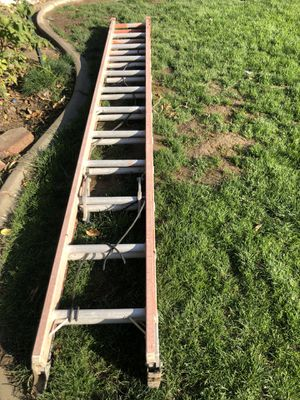 24 ft ladder for Sale in Bakersfield, CA