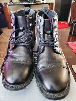 Kenneth Cole men boots(size 8.5) for Sale in Fontana, CA