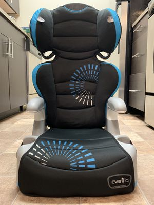Evenflo Booster car seat for Sale in Redmond, WA