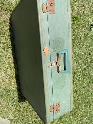 Vintage suitcase for Sale in Chula Vista, CA