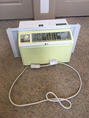 LG 5,000 BTU Manual Controls Window Air Conditioner White for Sale in Austin, TX